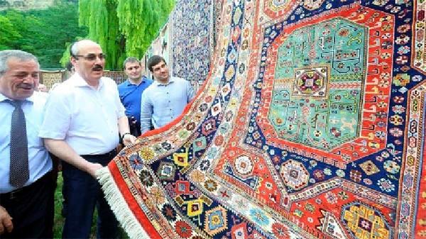 Рамазану Абдулатипову нравится табасаранский ковёр