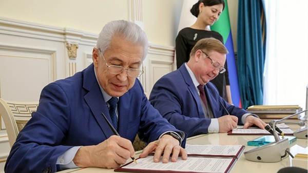 Владимир Васильев и Сергей Степашин разбирались в вопросе переселения из ветхого жилья