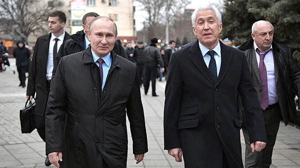 Два Владимира – Путин и Васильев – прогулялись по Махачкале